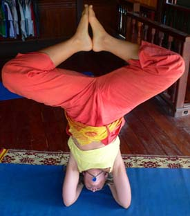 Kali Headstand